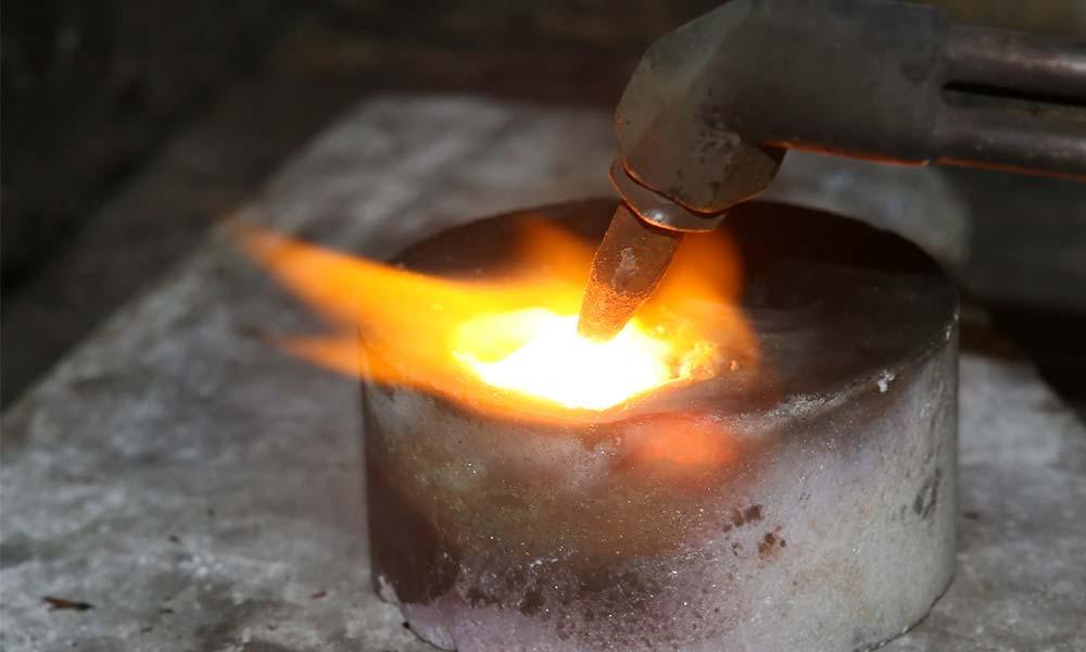 Melting Platinum for industrial use