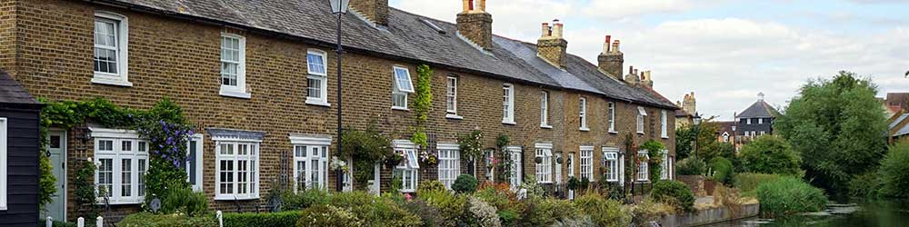 UK Home properties in a row in the countryside