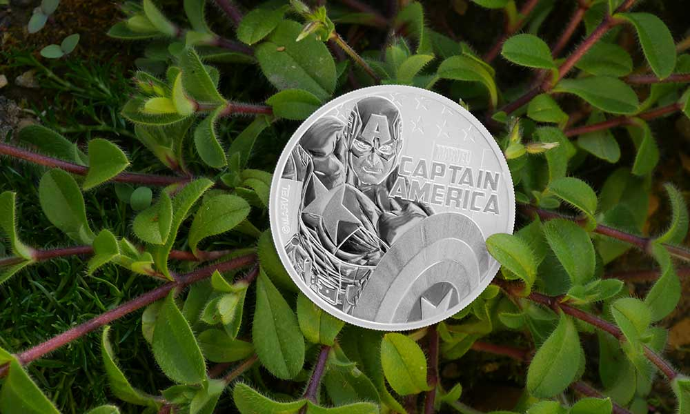 Photo of front and back designs of 1oz Silver Tuvalu Marvel Captain America 2019 Coin