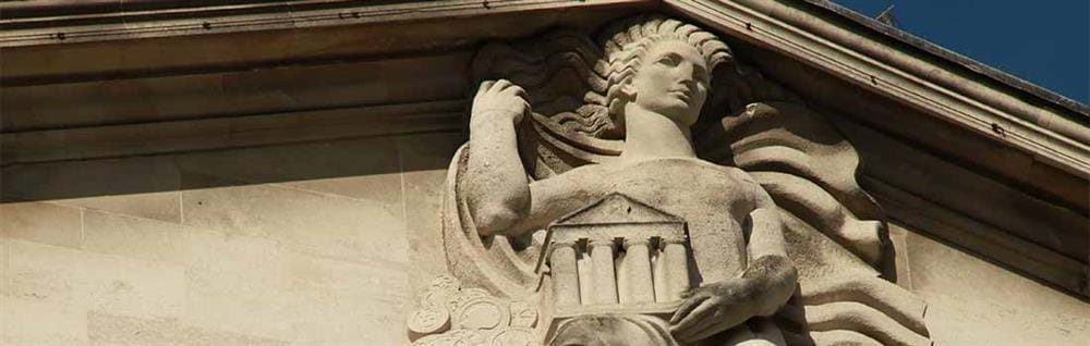 Statue on the Bank of England building