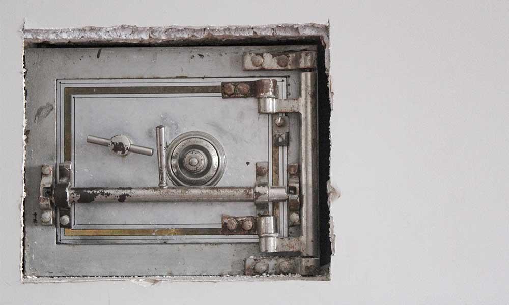 Ingenious Storage - in a safe